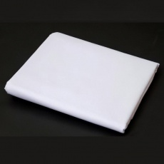 bílá tkanina 50% bavlna + 50% polyester